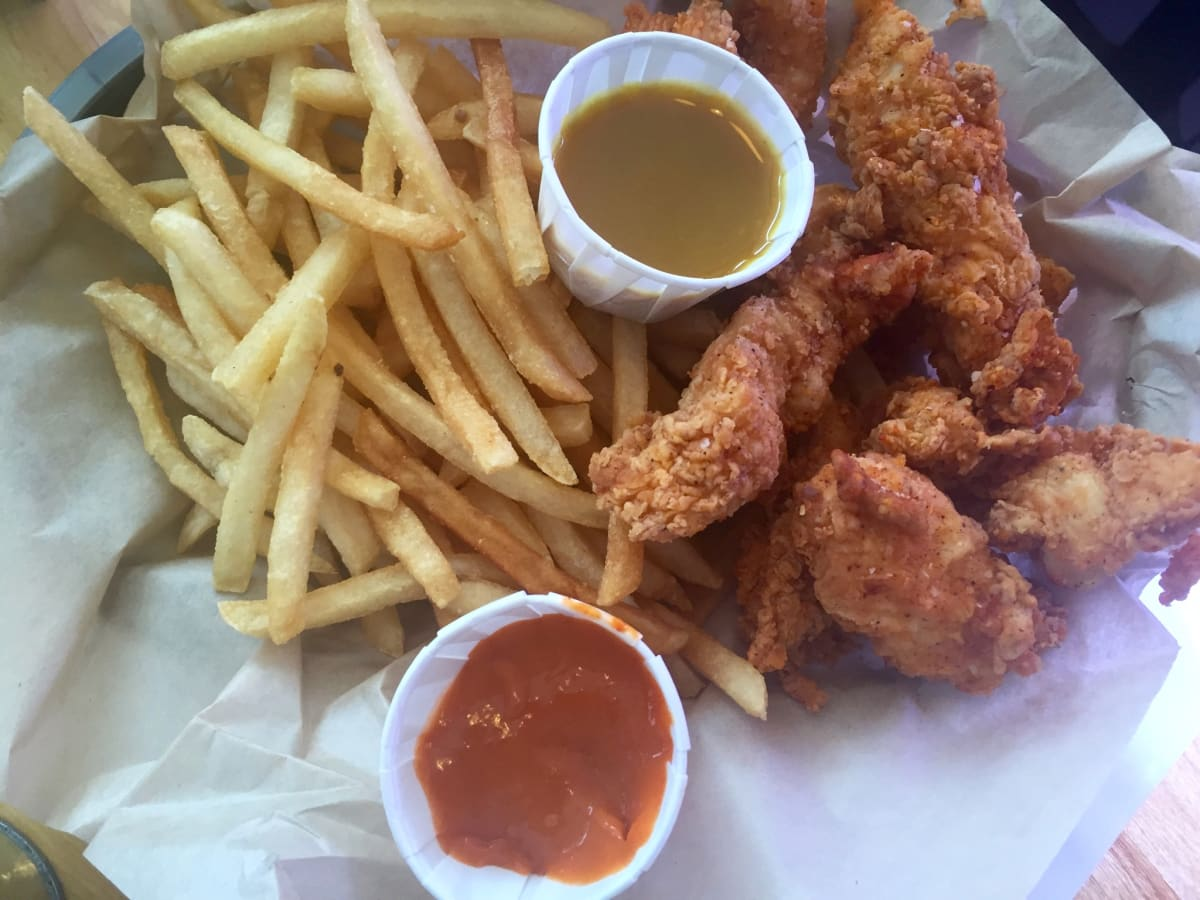 Luv Me Tenders basket