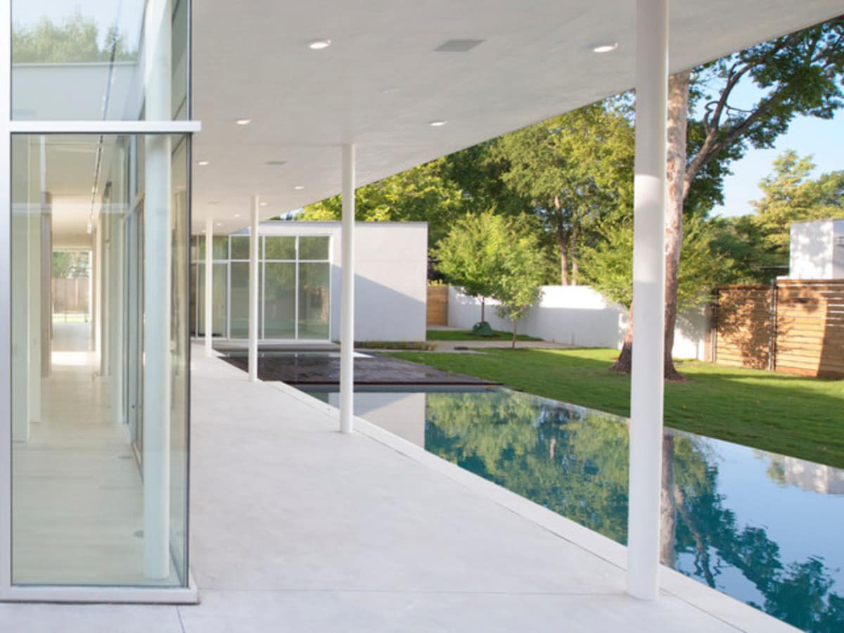Houzz Dallas house home modern minimalism June 2016 backyard pool