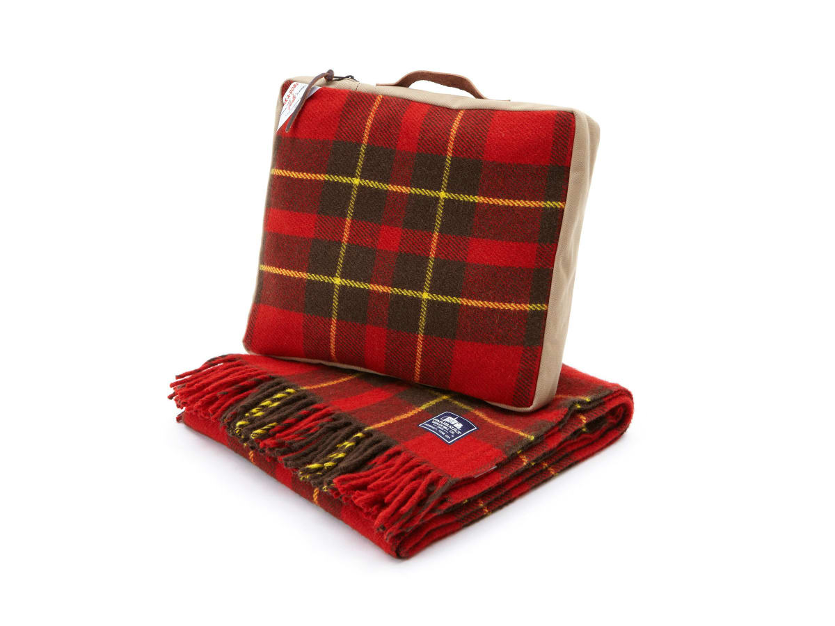 Anteks red plaid blanket