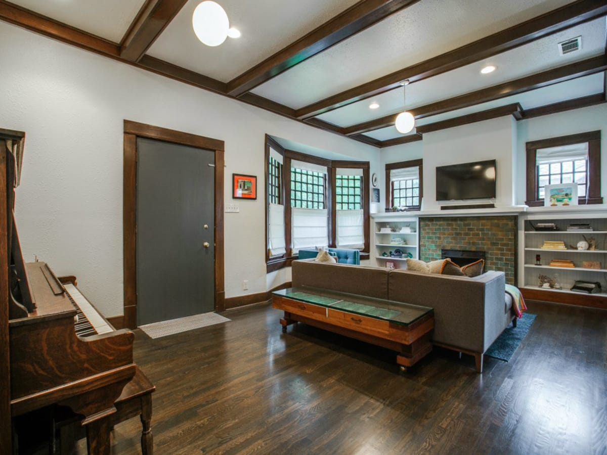 110 North Edgefield Living Room 3