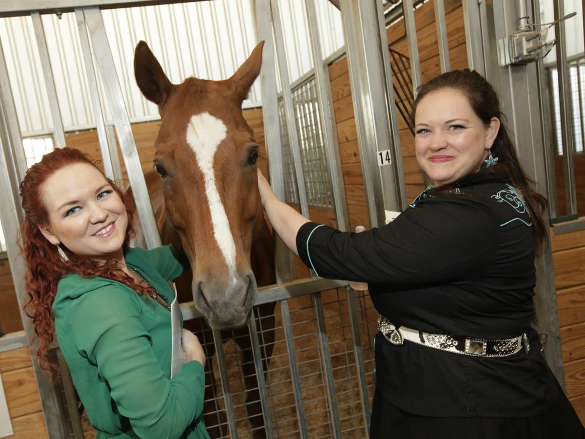 Lexi Little, Buddy (horse), Hannah Genvea
