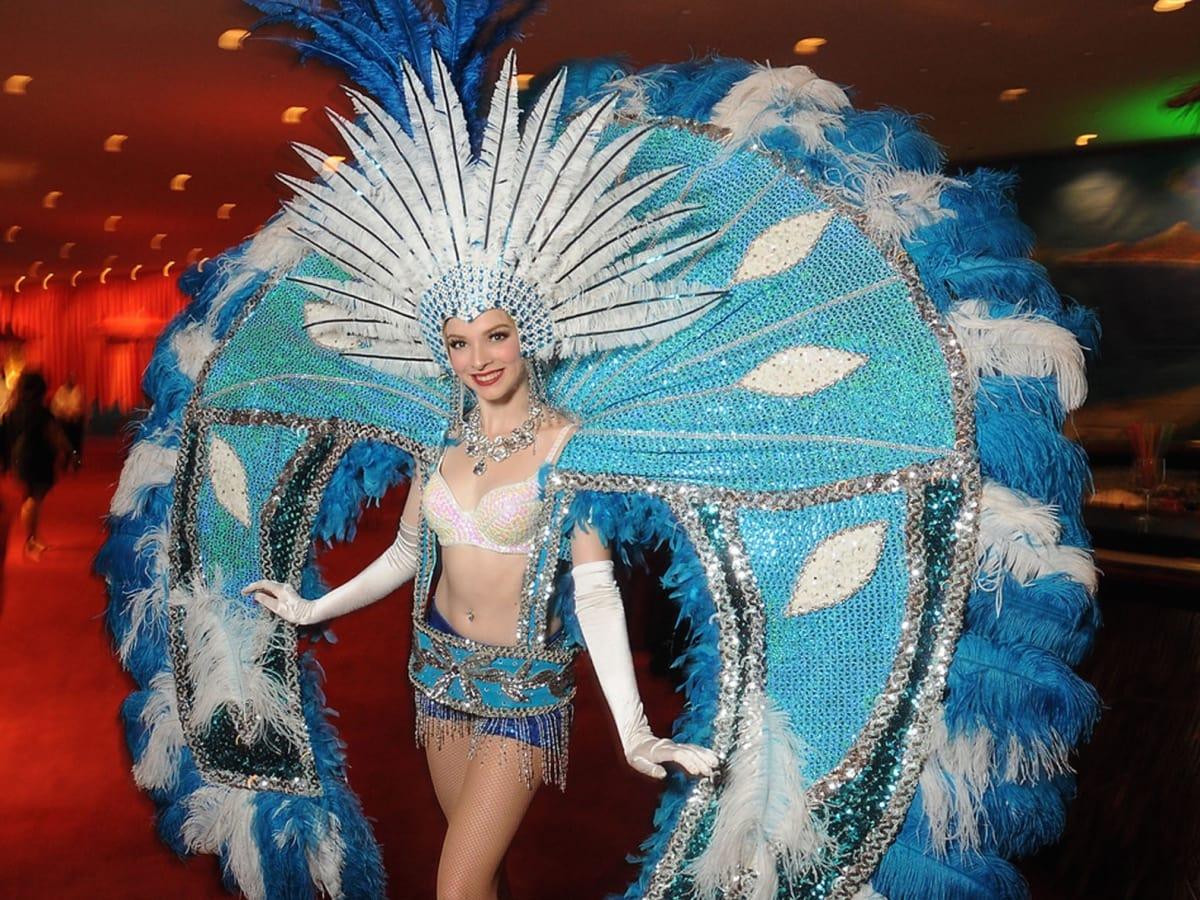 Symphony Ball 5/16, Samba dancer