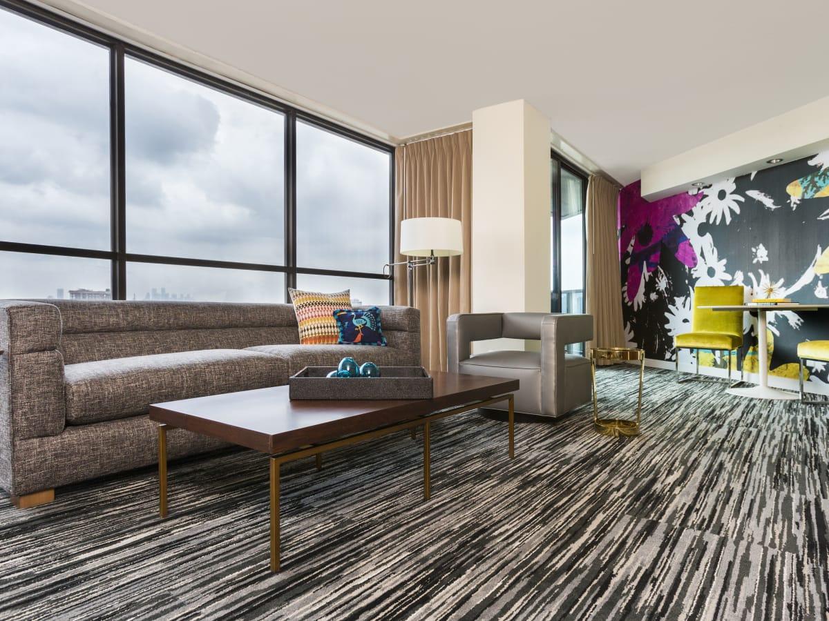 Hotel Derek,Daydream Suite, April 2016