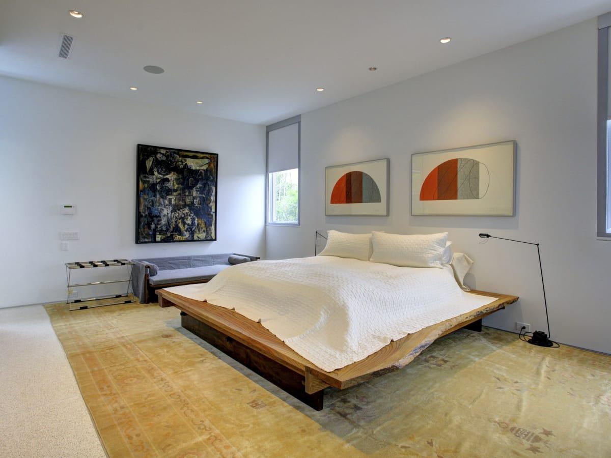 ON the Market, 1114 Willard, 4/16, bedroom
