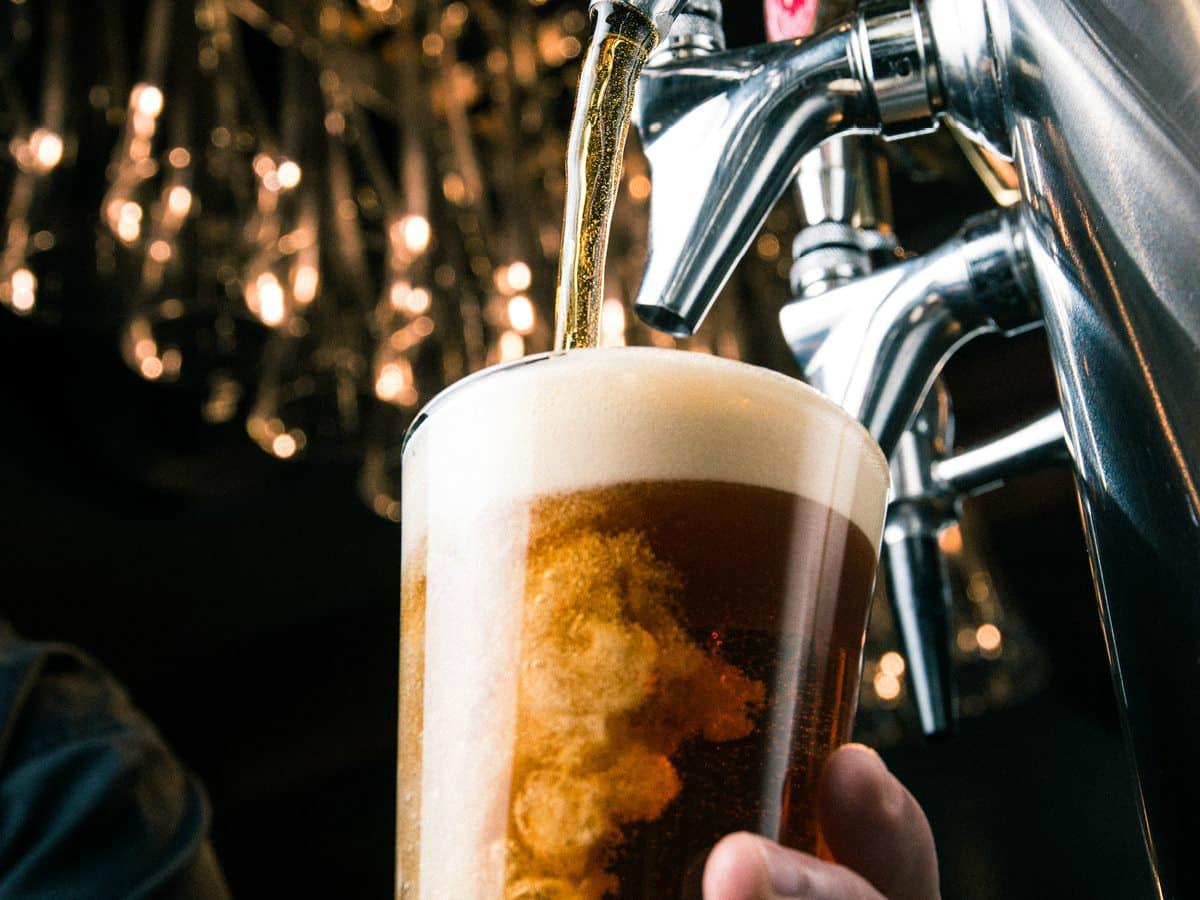 Yard House bar restaurant beer glass tap brew