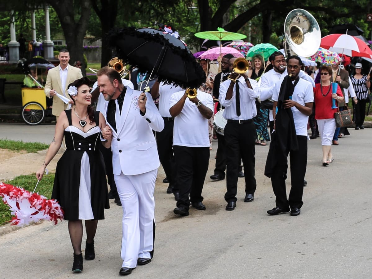 New Orleans-themed wedding takes a second line down Heights ...