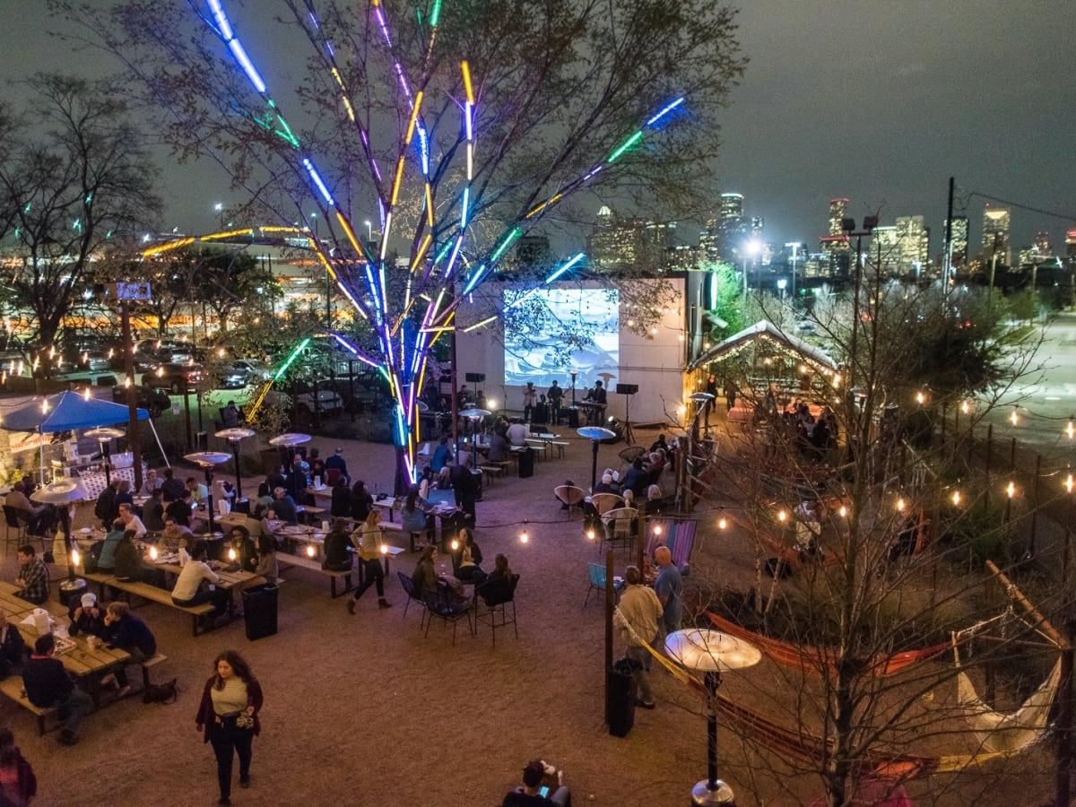 Houston, Axelrad, April 2016, patio