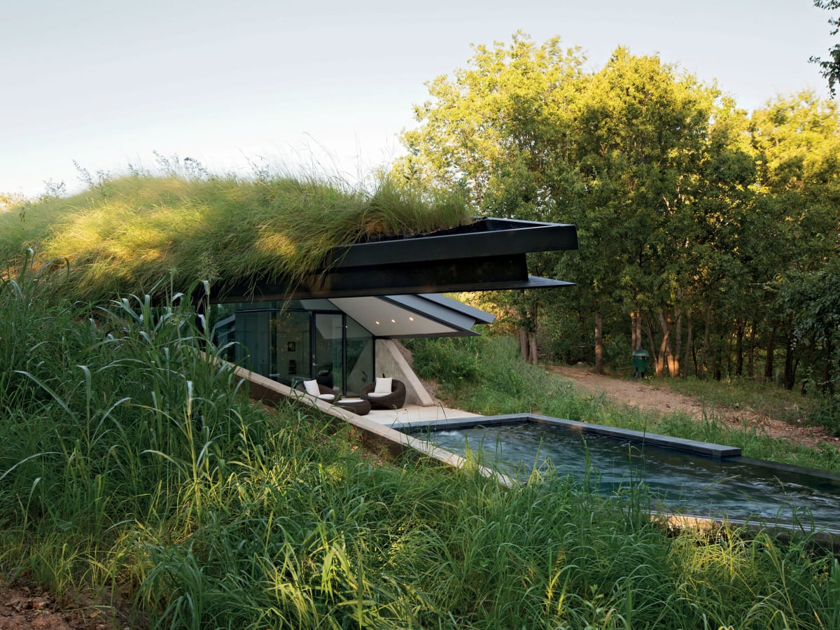 "Edgeland House from ""Retreat: The Modern House in Nature"""
