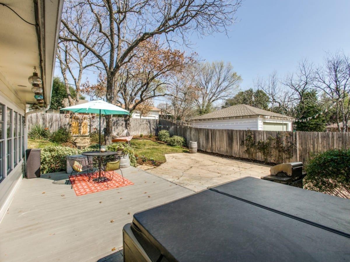2421 Springhill Dr. backyard