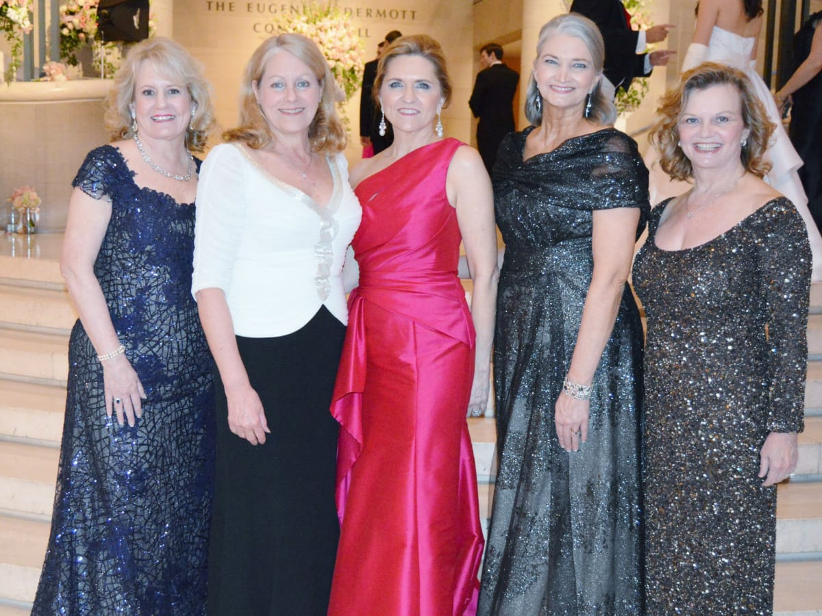 Ball co-chairs Dixey Arterburn and Cynthia Beaird with DSOL President Melissa Lewis, Presentation Ball Chair Nancy Labadie and co-chair Ginger Sager