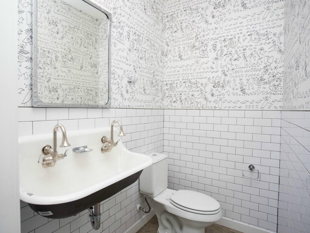 2016 Austin Modern Home Tour house 2002 Peoples Street Newcastle Homes un.box studio bathroom