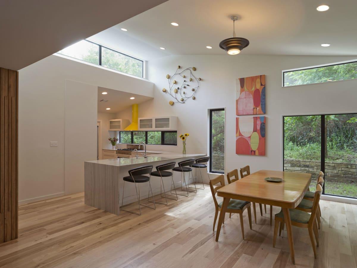 2016 Modern Home Tour house 1907 Barton Parkway Chris Cobb Architecture dining kitchen