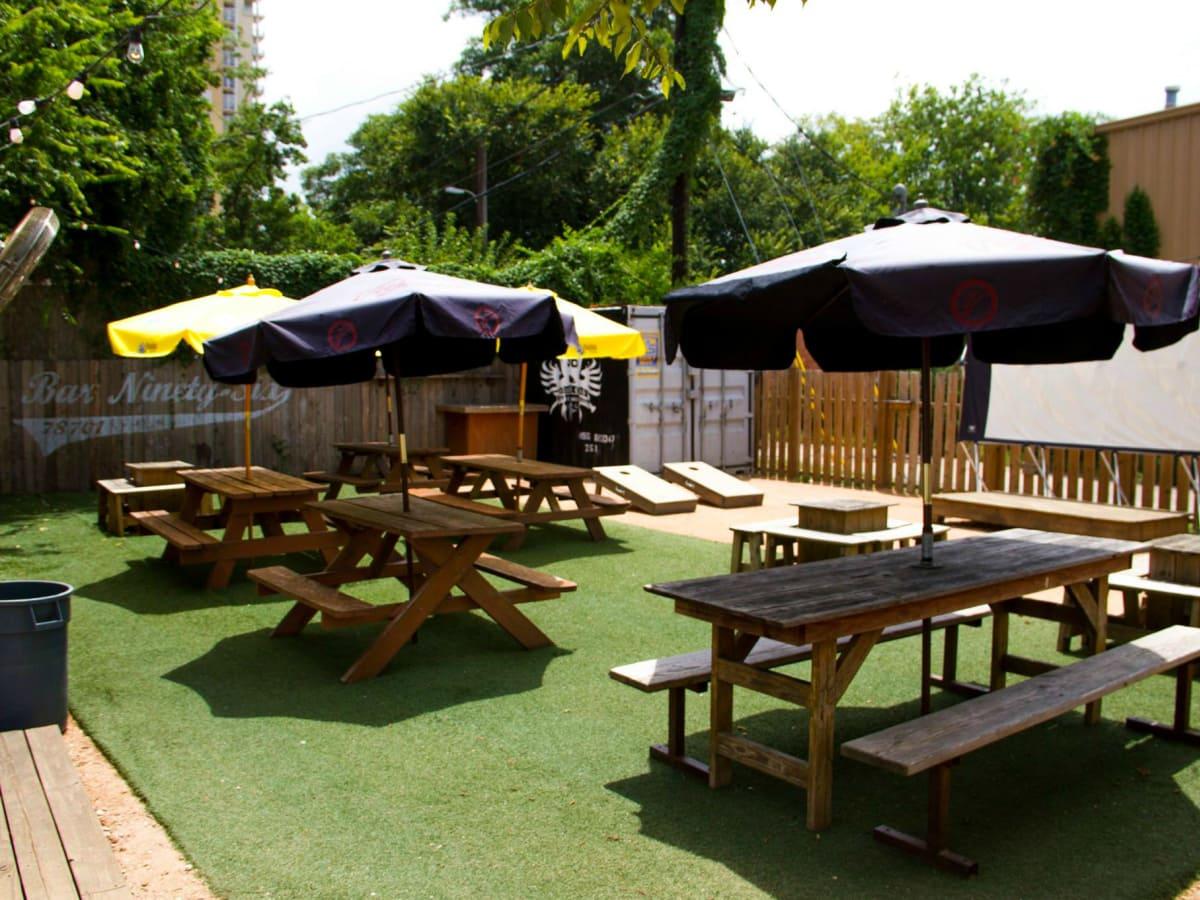 Bar 96 Rainey Street outdoor patio
