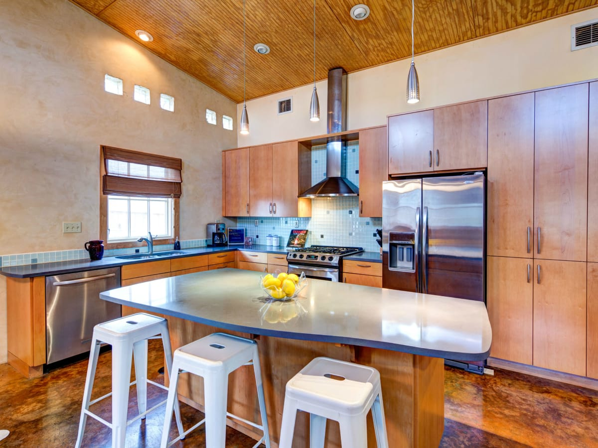 Austin home house 2105 E 9th St 78702 January 2016 kitchen