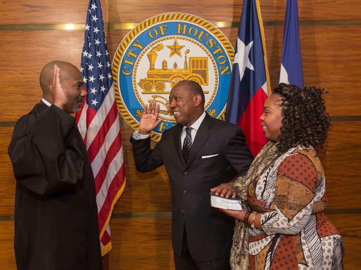 Sylvester Turner sworn in as mayor of Houston