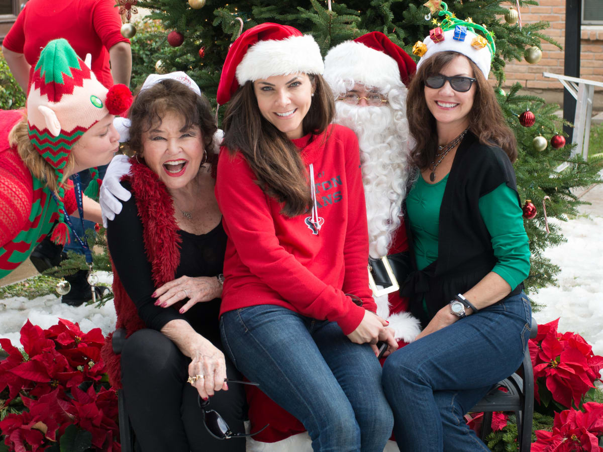 News, Mission of Yahweh Christmas, Dec. 2015, Tonya Frye, Warner Roberts, Monica Hartland Blaisdell, Angie Roberts