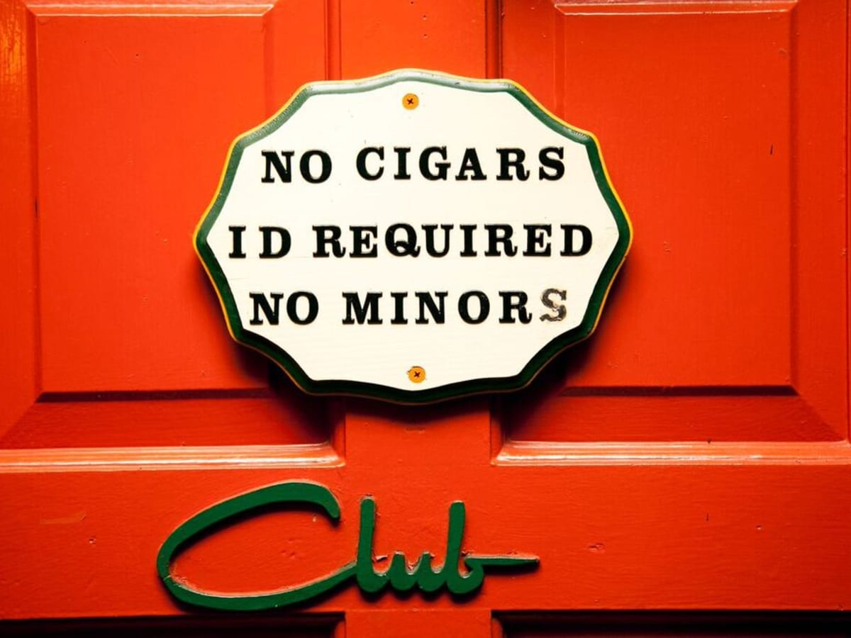 El Patio Club No Minors
