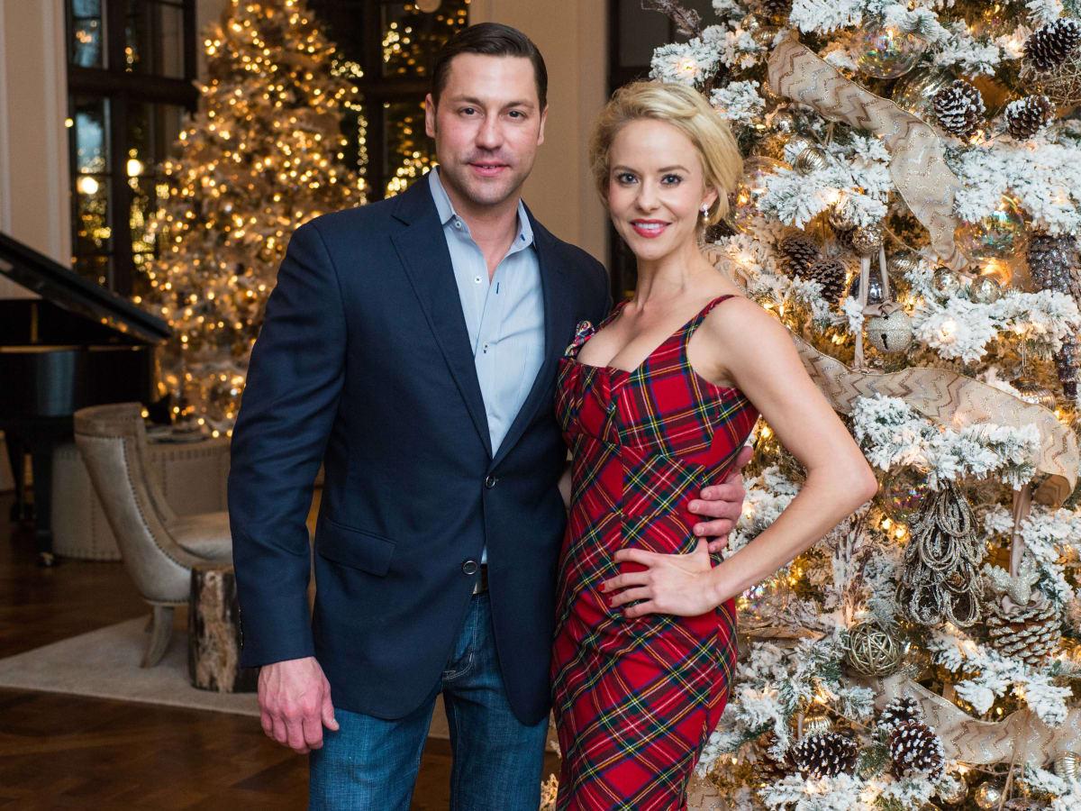 News, MD Anderson Santa's Elves, Dec. 2015, Bently Kamin, Morgan Bellows