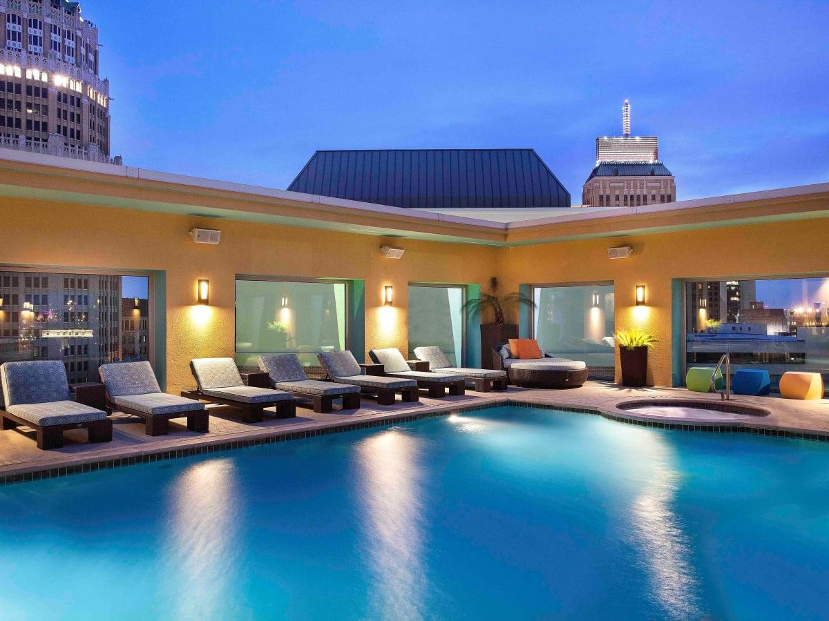 Hotel Contessa San Antonio pool