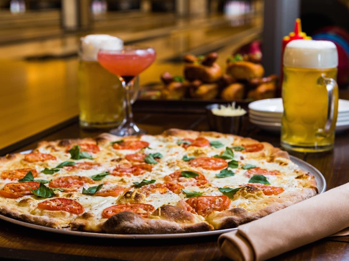 Bowl and Barrel pizza