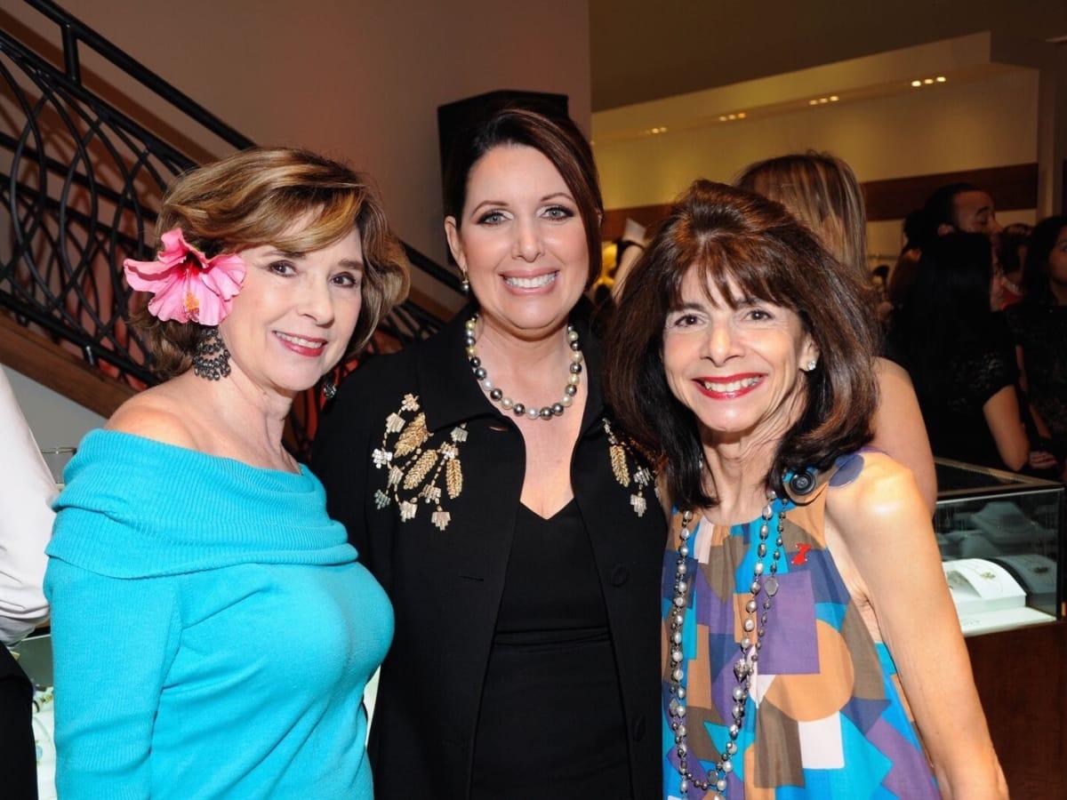Liancarlo American Heart Association show at Elizabeth Anthony, Helen Perry, Julie Roberts, Terri Romano