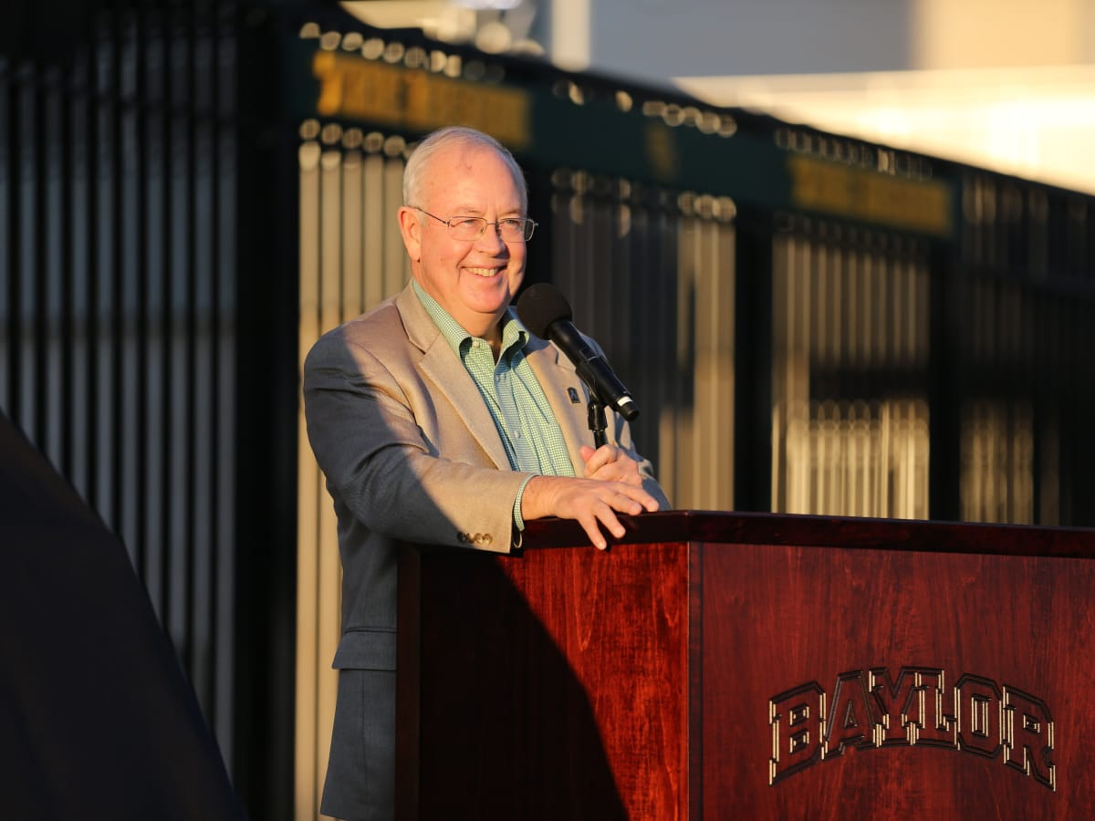 News, Shelby, John Eddie Williams Statue event, Nov. 2015, Ken Starr
