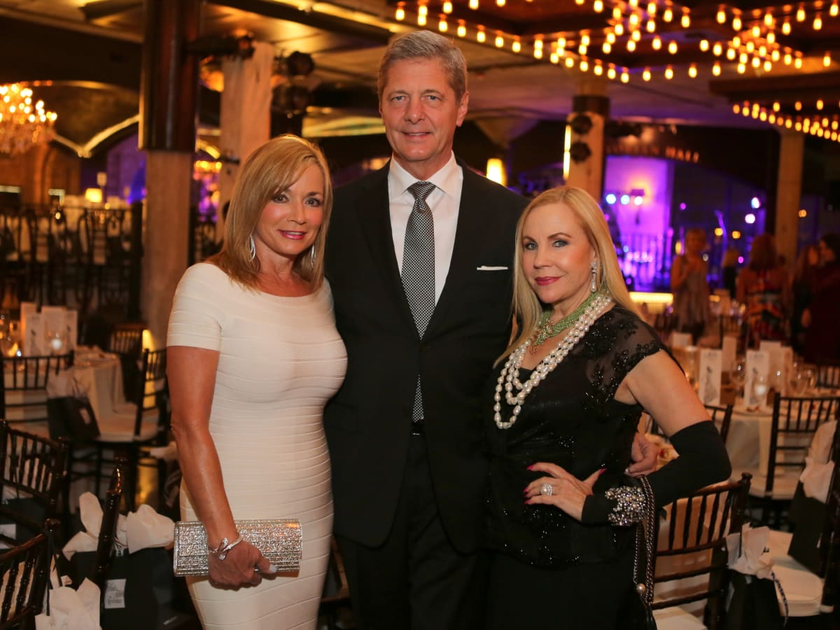 News, Shelby, Catwalk for a Cure, Nov. 2015, Wezy Dees, Bobby Dees, Carolyn Farb