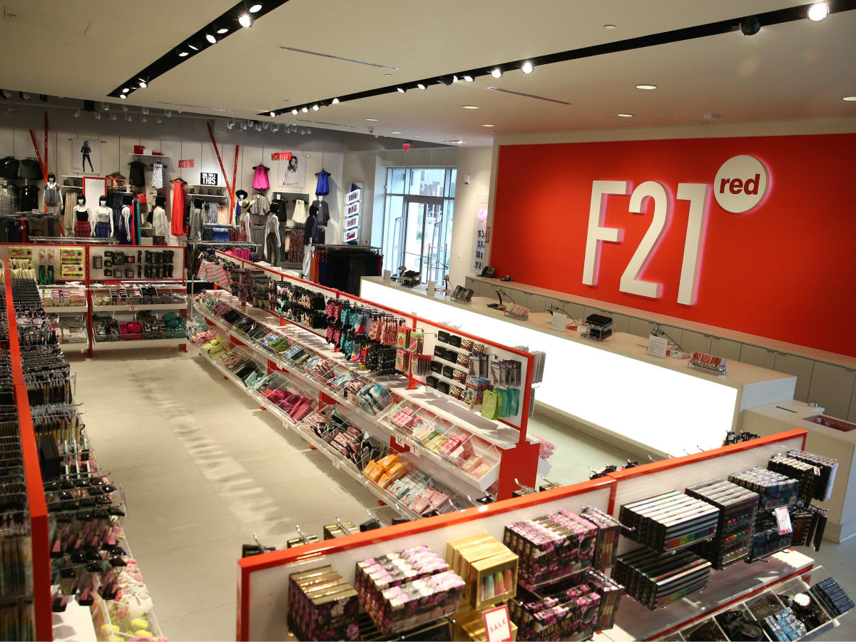 F21 RED at the Shops at Park Lane