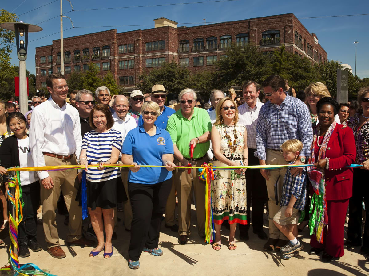 News, Shelby, Buffalo Bayou Park opening, Oct. 2015, ribbon cutting