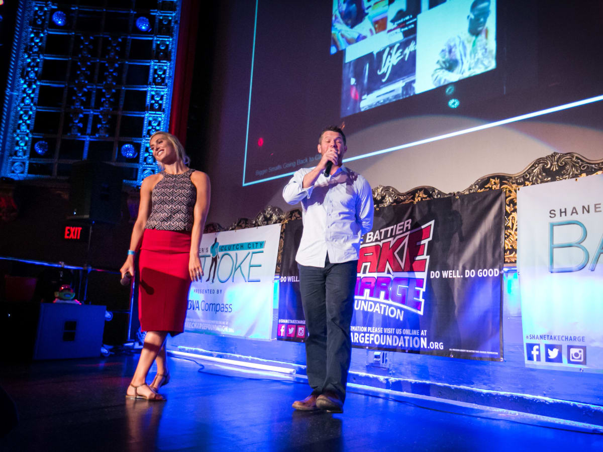 Clutch City Battioke 2015 Analeis and Dave Anderson