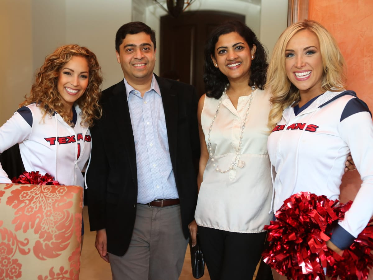 Friday Night Lights kick off Texan Cheerleaders with Dr Vivek Subbiah and Dr Ishwaria Subbiah