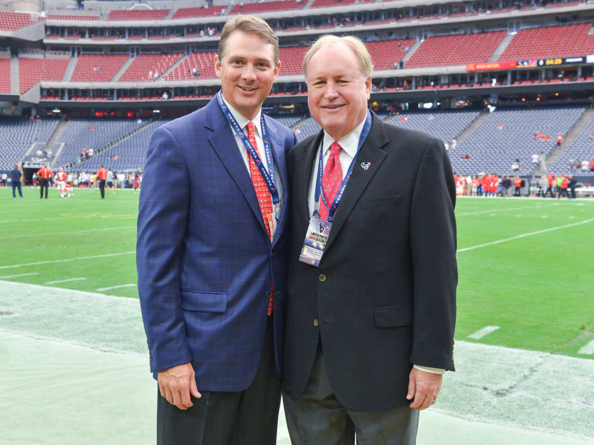 News, Shelby, Texans Owners suite, Sept. 2015, Langston Turner, Gary Petersen