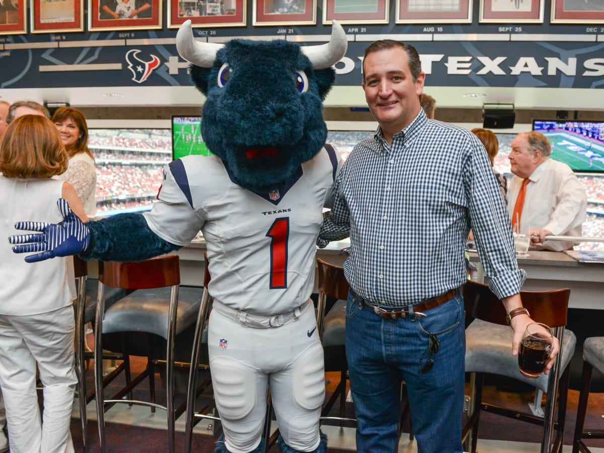 News, Shelby, Texans Owners suite, Sept. 2015, Toro, Sen. Ted Cruz