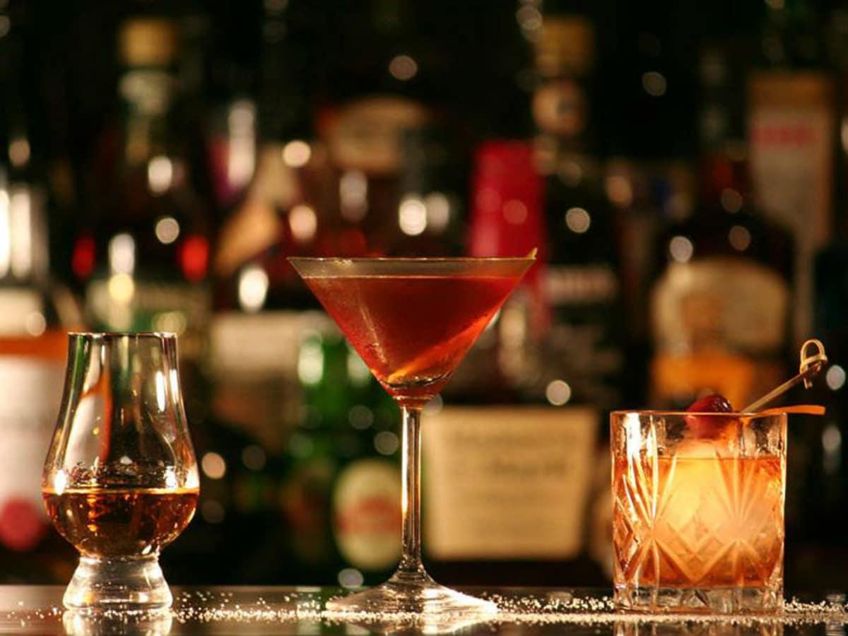 940s kitchen & cocktails