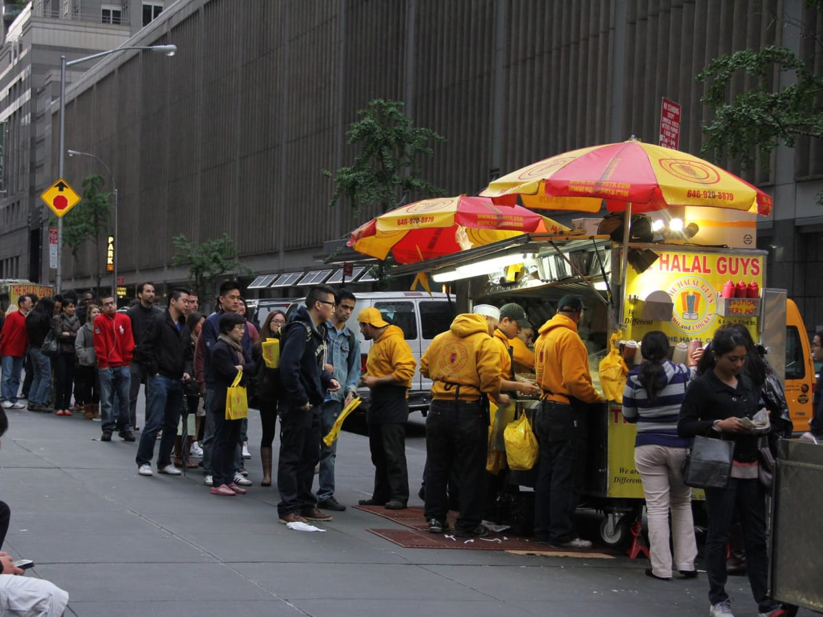 Halal Guys NYC line CROP