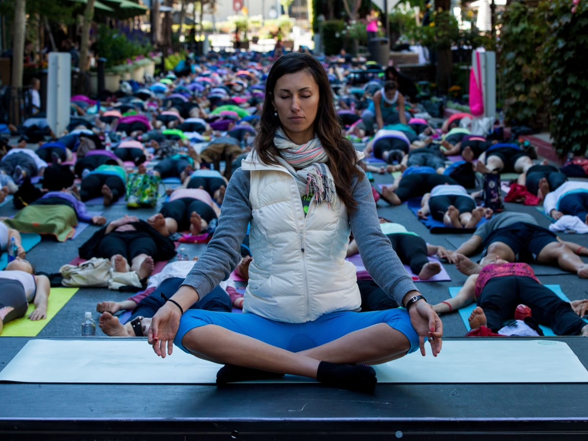 Santana Row yoga day San Jose California