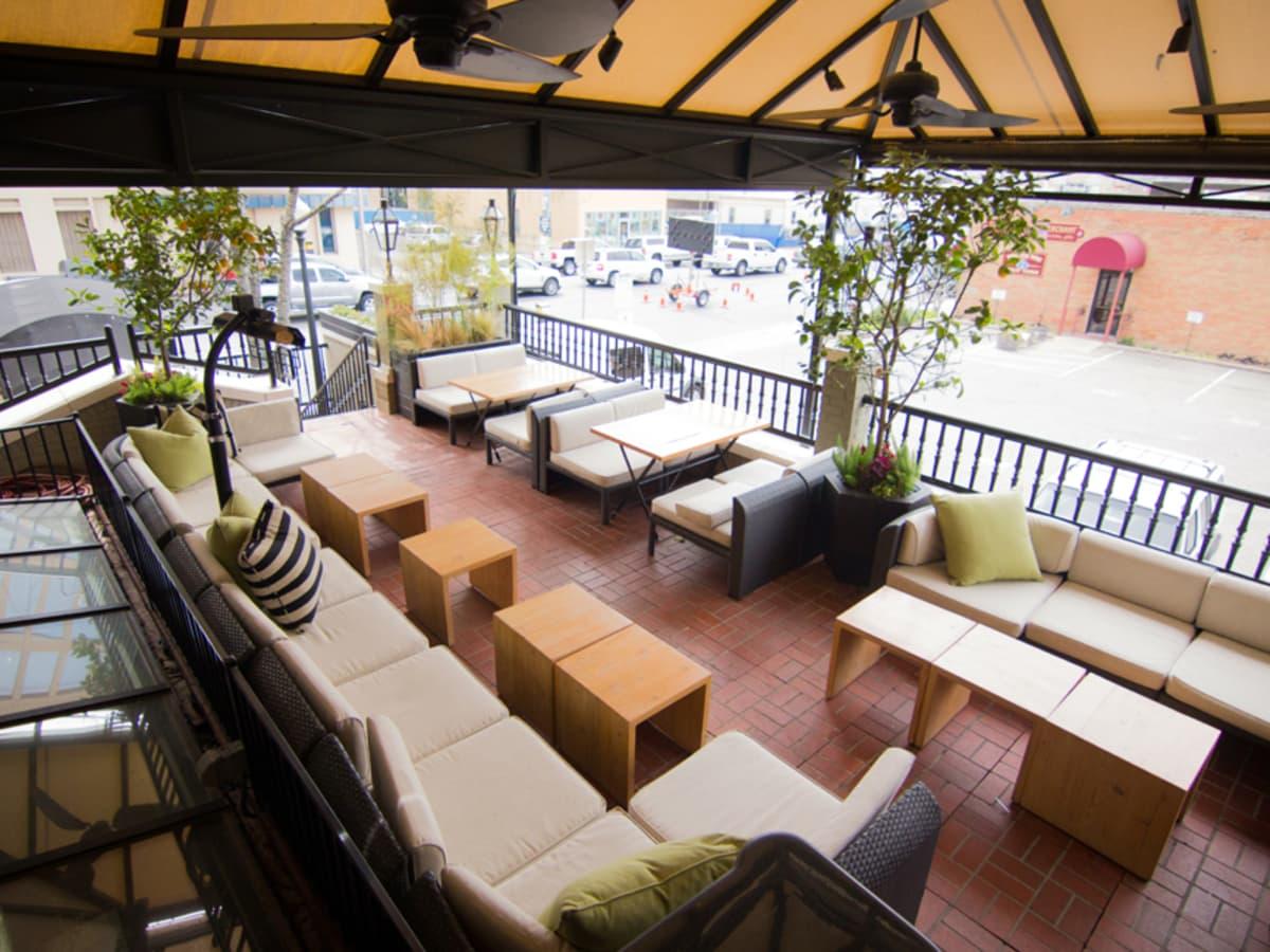 Bess Bistro Austin restaurant patio