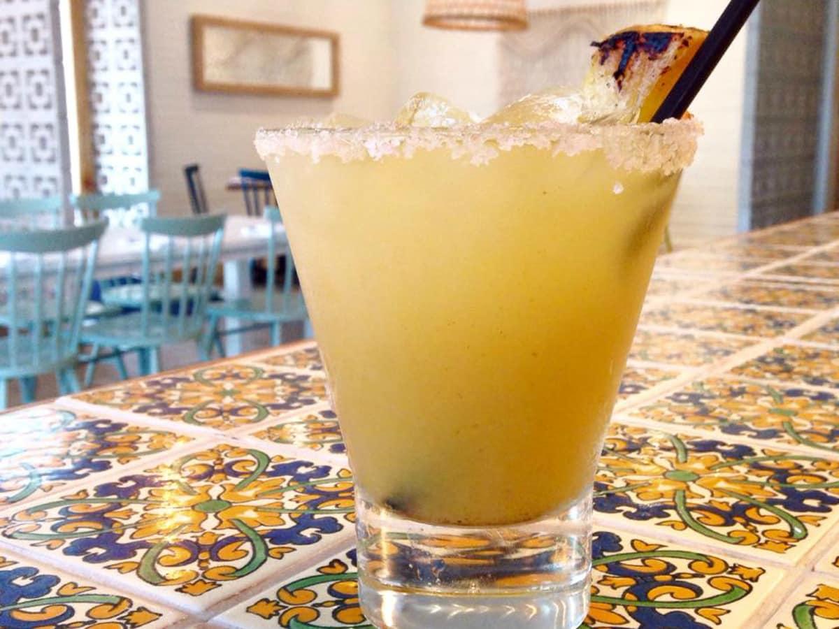 Alcomar Mariscos y Mas Austin restaurant drink cocktail margarita 2015