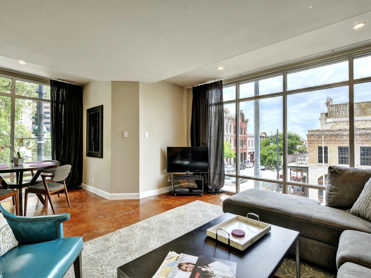 Littlefield Lofts Top downtown Austin Trip Rentals living room 1 2015
