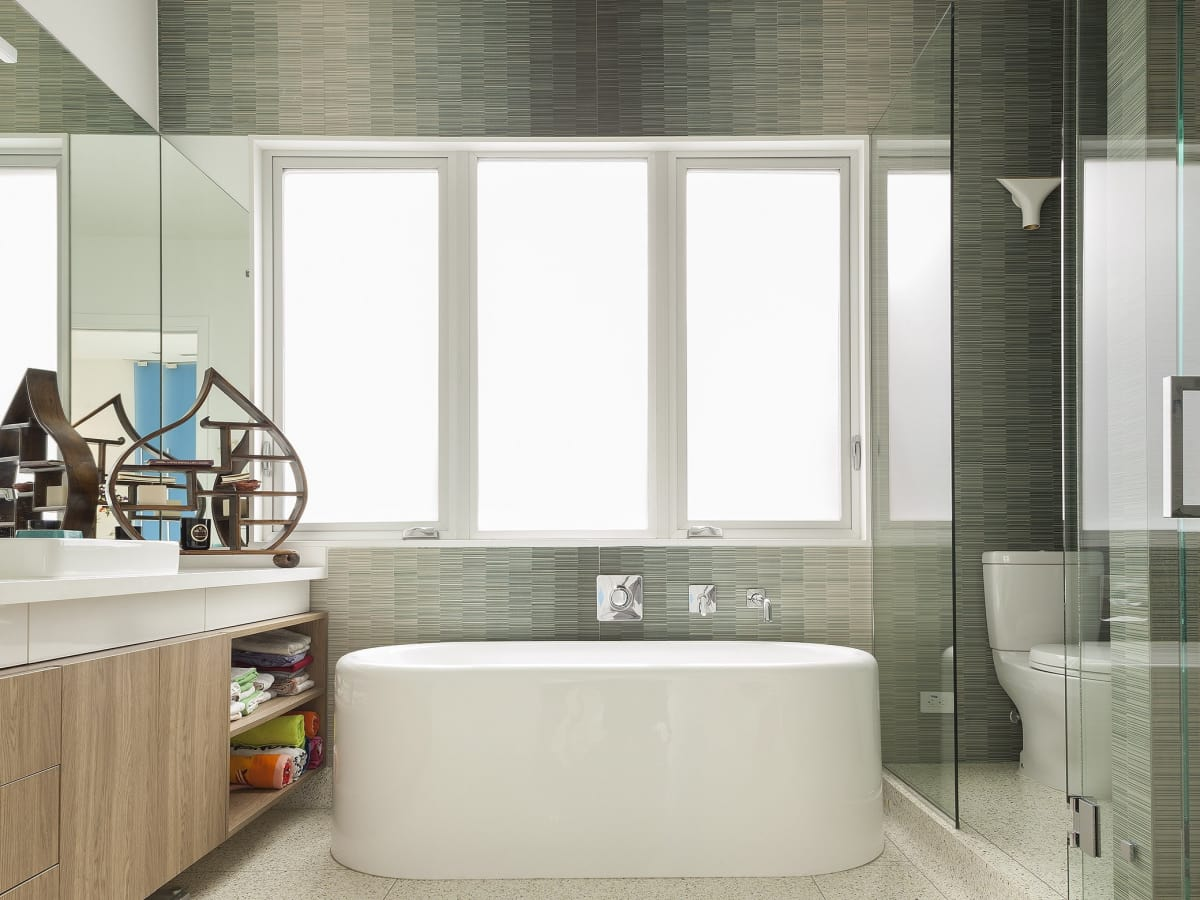 Houston homes with gorgeous bathtubs that you can luxuriate in ...