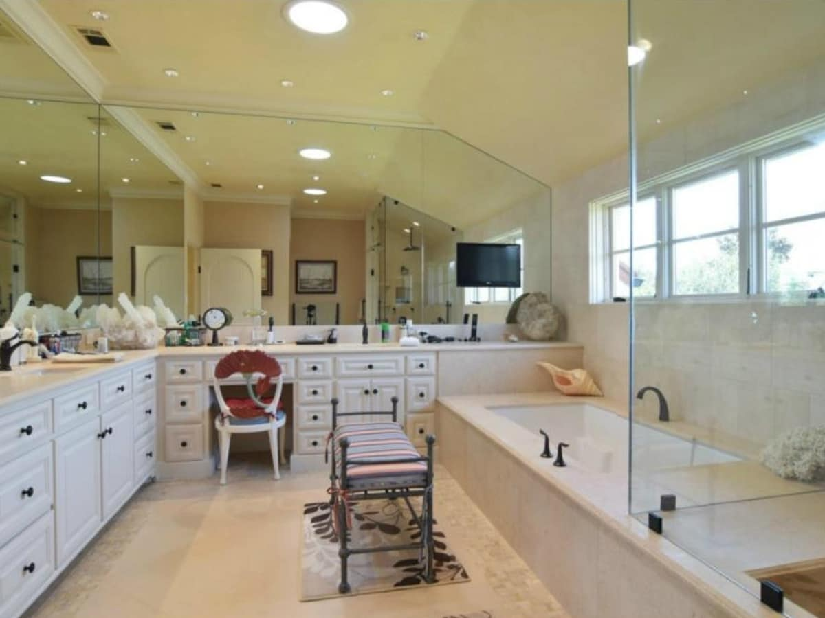 Master bath at 12258 Creek Forest Dr. in Dallas