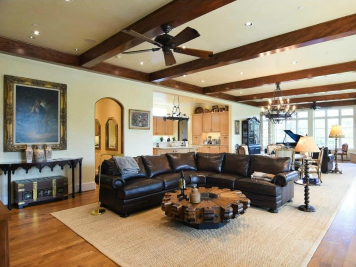 Great room at 12258 Creek Forest Dr. in Dallas