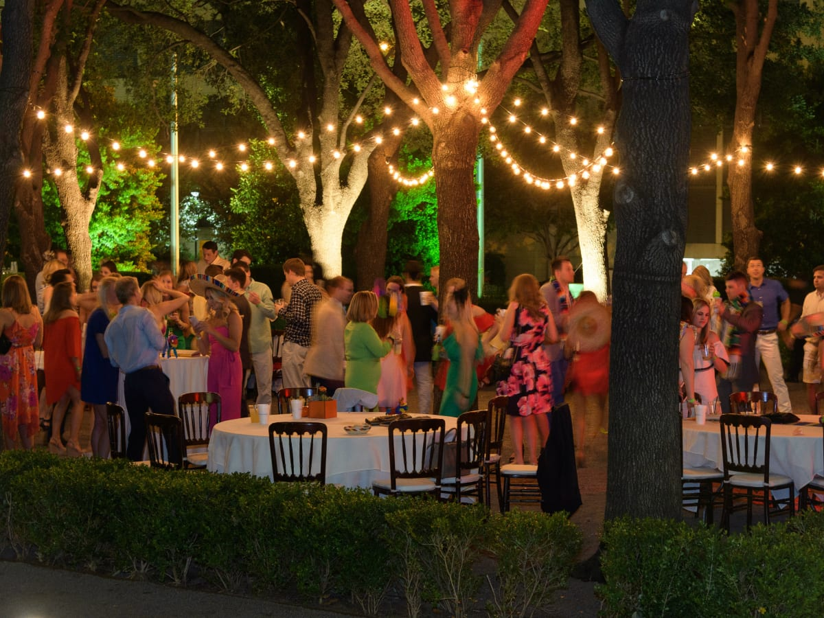 Dallas young professionals turn heads at Cinco de Derby mash-up ...