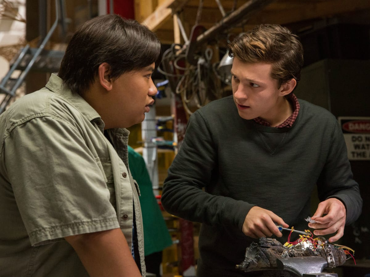 Jacob Batalion and Tom Holland in Spider-Man: Homecoming