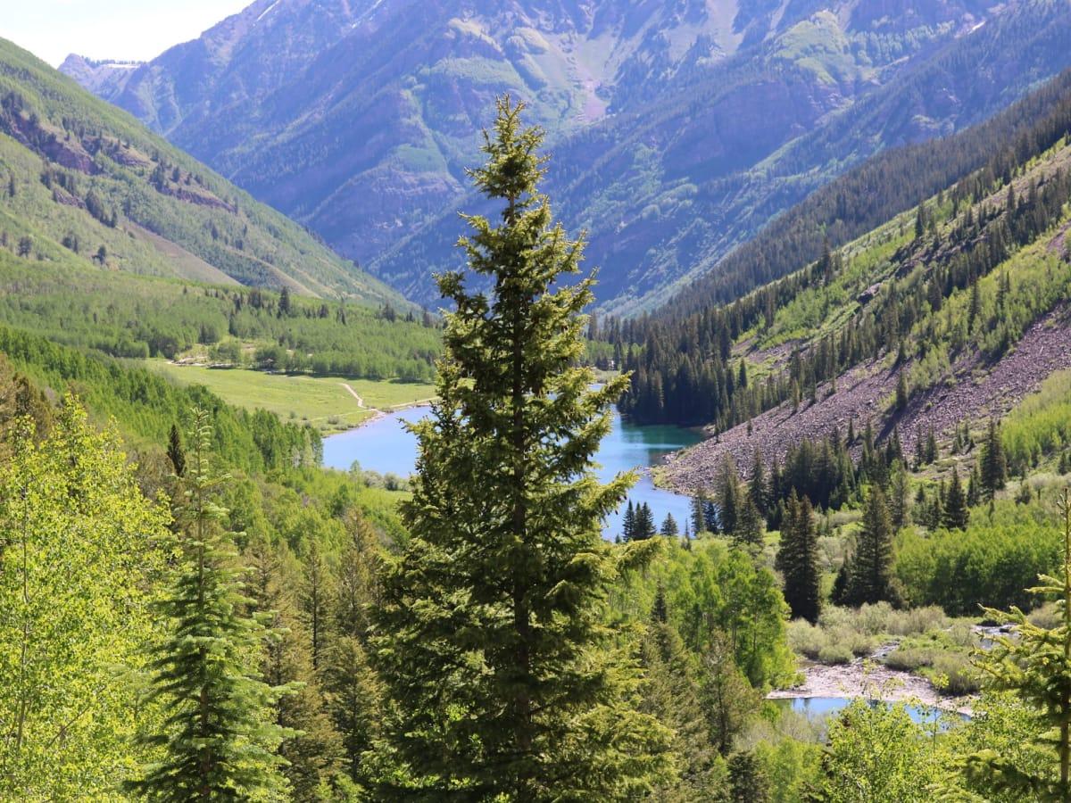 Aspen mountain scene
