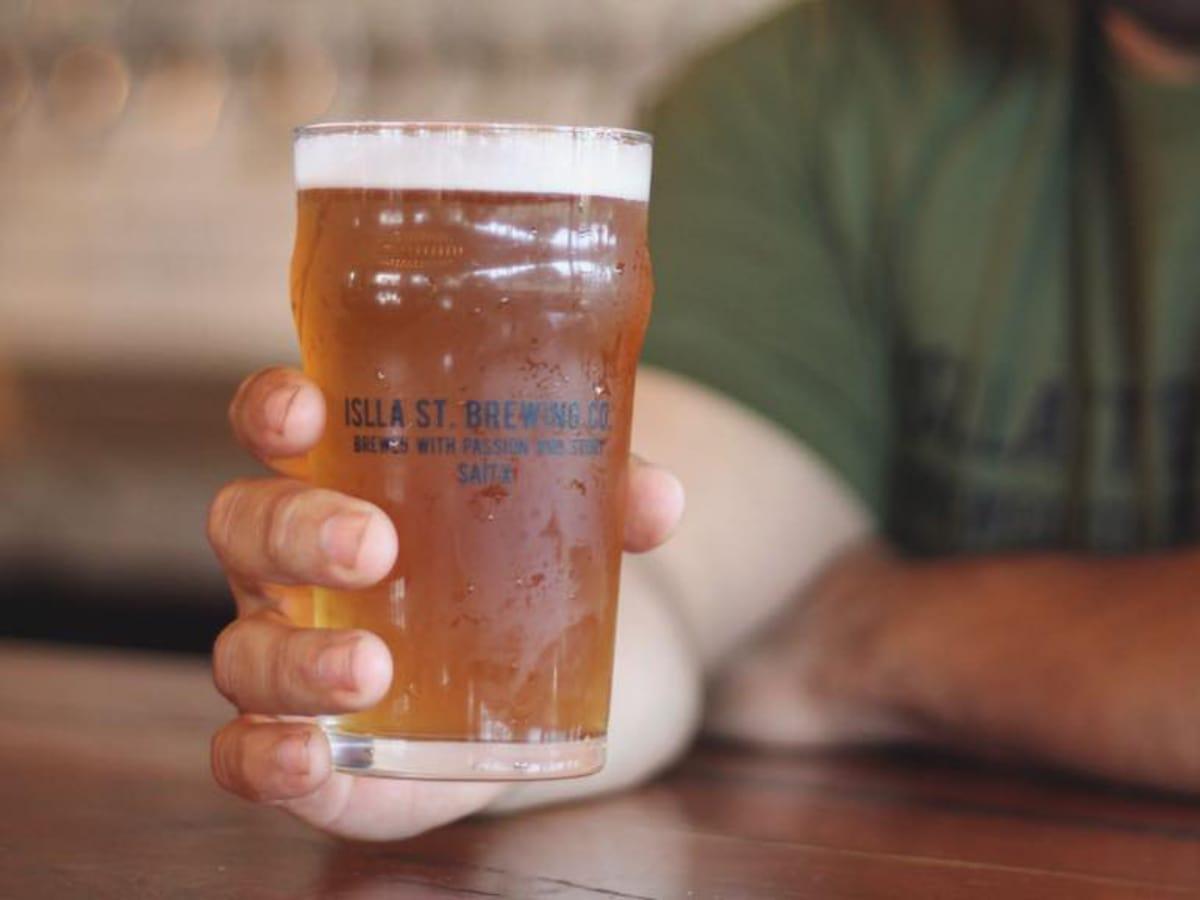 Islla St Brewing beer