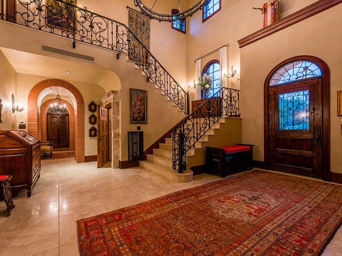 Mandola's estate in Austin foyer