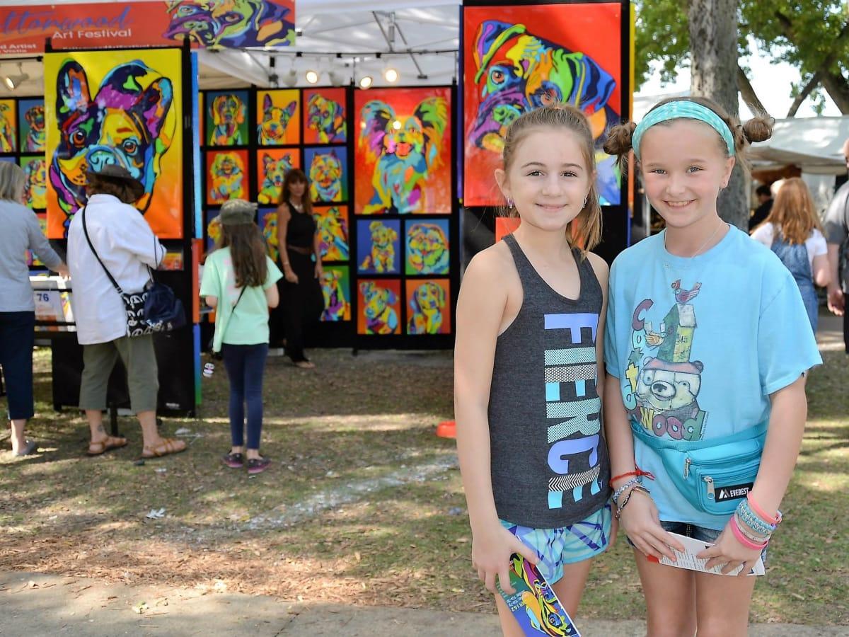 Two little girls at Cottonwood Art Festival