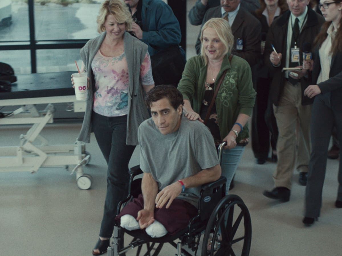 Patty O'Neil, Jake Gyllenhaal, and Miranda Richardson in Stronger