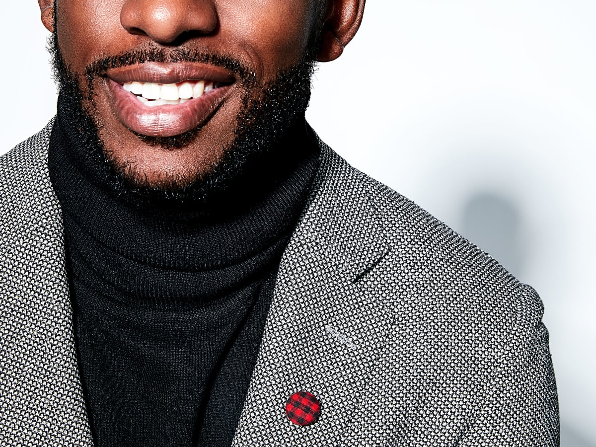 Chris Paul Hook & Albert lapel pin
